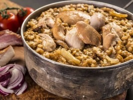Chicken in wild souce with rice [Adventure Menu]