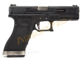 G18 T5 - Black metal receiver, silver barrel, blowback - returned by the customer